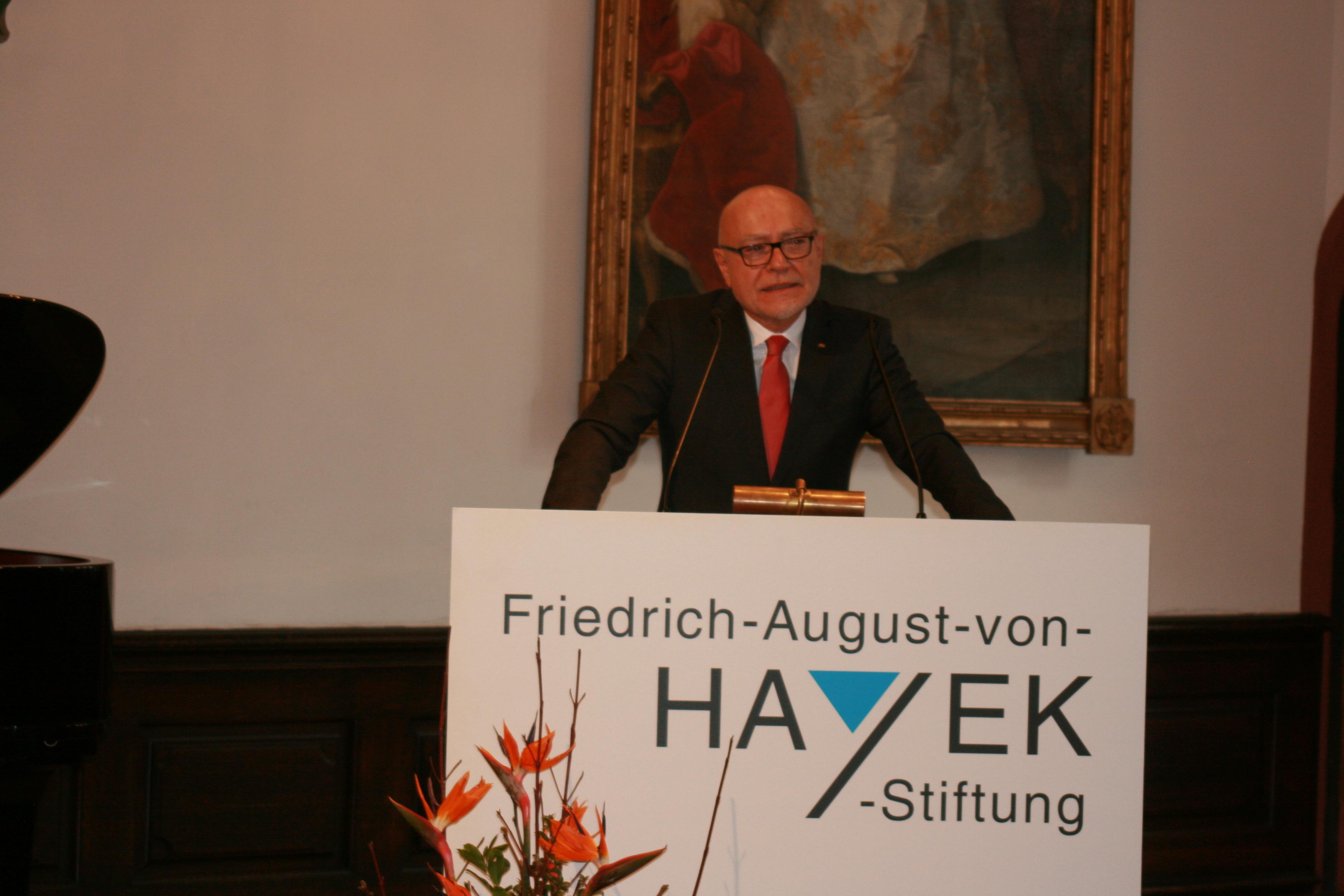 Udo Di Fabio, Richter des Bundesverfassungsgerichts a. D. hielt die Laudatio für Heike Göbel ©Foto: Hans-J.Hinken