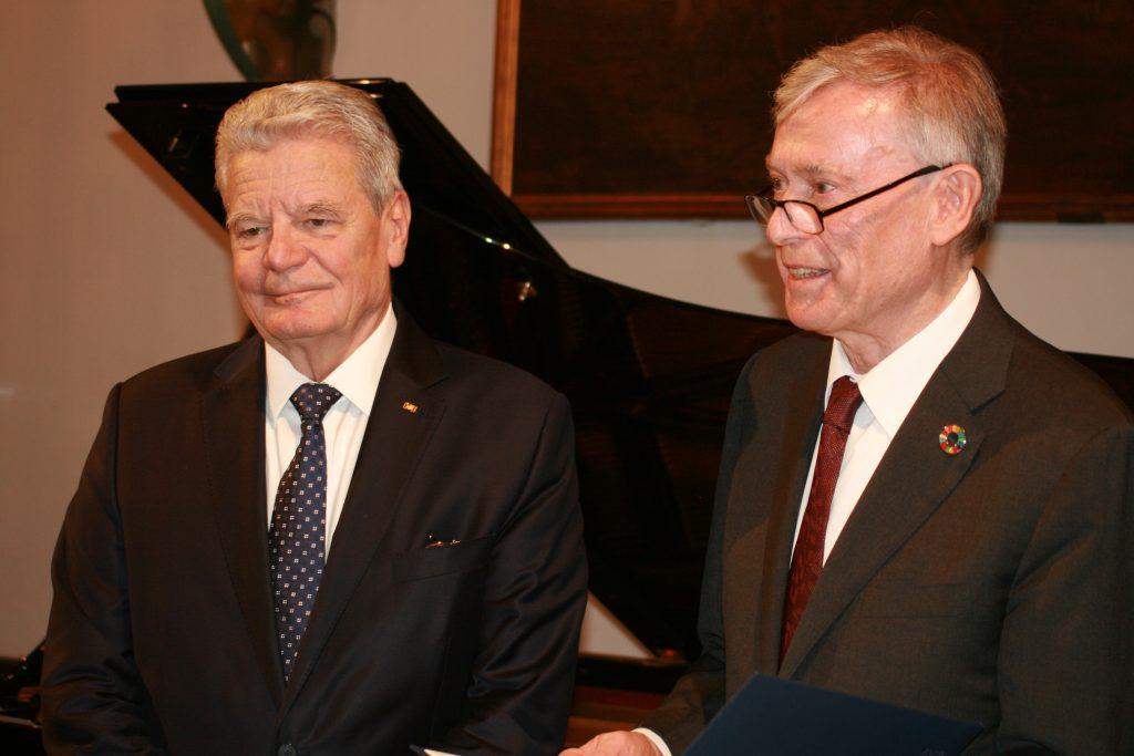 Joachim Gauck und Horst Köhler bei der Preisverleihung ©Foto: Hans-J.Hinken