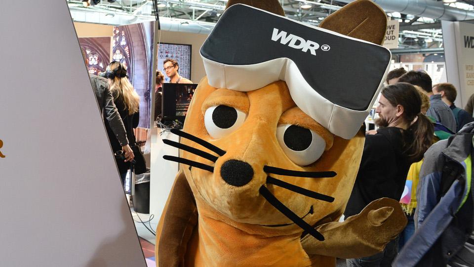 Am WDR/rbb-Stand gibt es die Maus zum anfassen. © WDR/Oliver Ziebe
