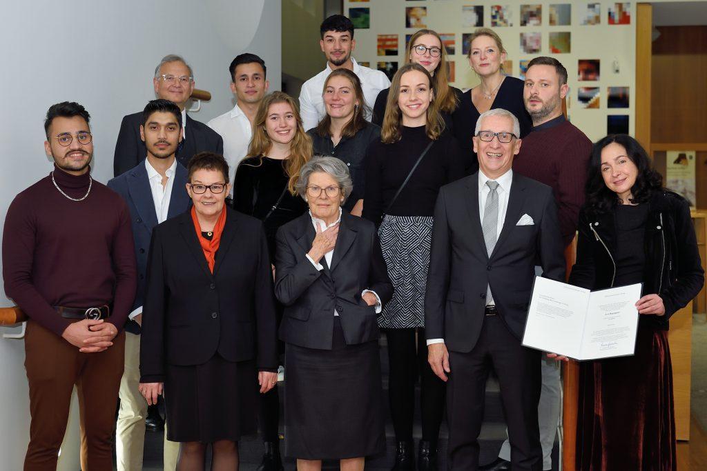Vorstand und Preisträger bei der Preisverleihung in Berlin